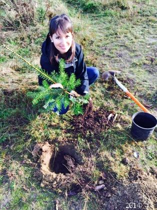 Caro plantando arboles2